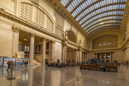 Estação de Trem de Chicago conta com arcos e até com capitéis coríntios em sua estrutura.