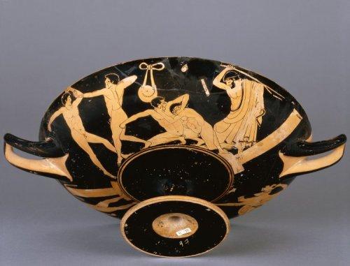 Kúlix do período Clássico. Cerca de 490 a.C. 12 cm de altura por 31 de diâmetro. Museu Britânico. N° 1850,0302.2