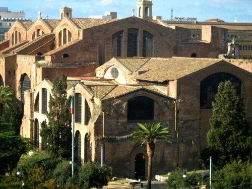 Partes da antiga Terma de Dioclesiano foram convertidas em igrejas cristãs.