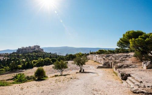 A Acrópolis de Atenas vista da Pnyx nos dias atuais.
