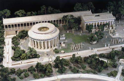 Maquete com reconstrução do Templo de Asclépio em Epidauro. Museu de Ciências de Londres.