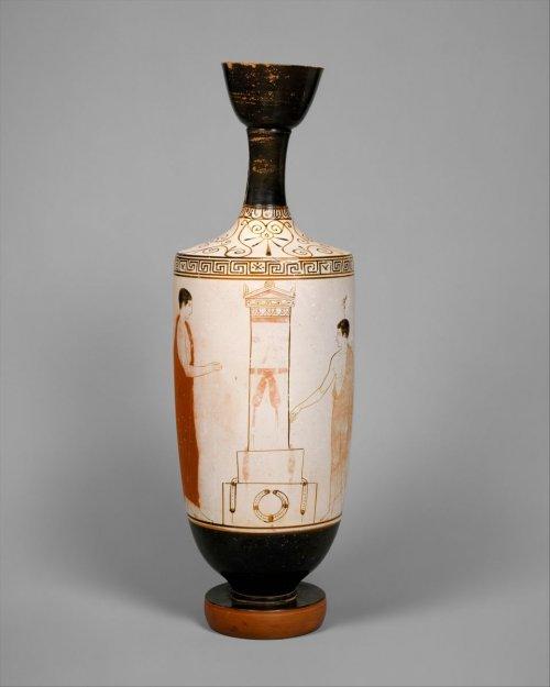 Lécito (lekythos) de cerca de 440 a.C. MET. 37 cm de altura. N° 1989.281.72