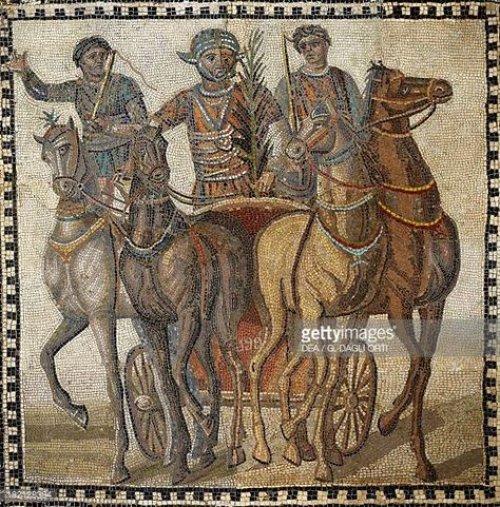 Mosaico do século 3 d.C. mostrando biga de corrida. Museu Arqueológico Nacional de Madrid.