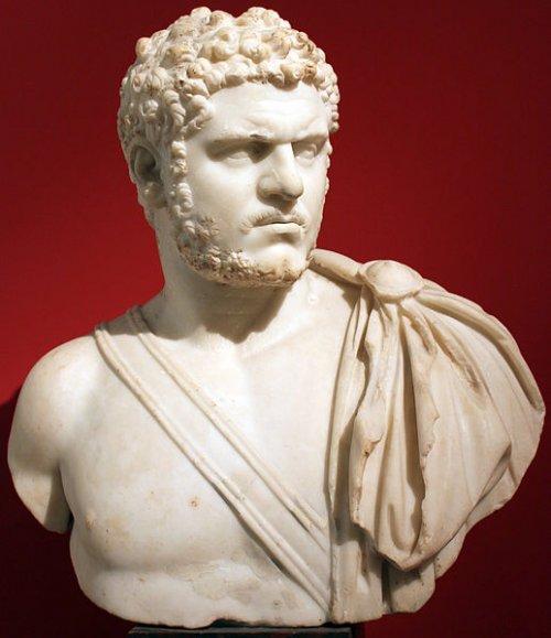O famoso busto do imperador Caracala, no Museu Altes em Berlim. 212-217 a.C. Via Wikimedia Commons.