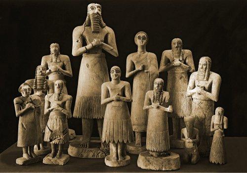 As Estátuas de Tell Asmar.